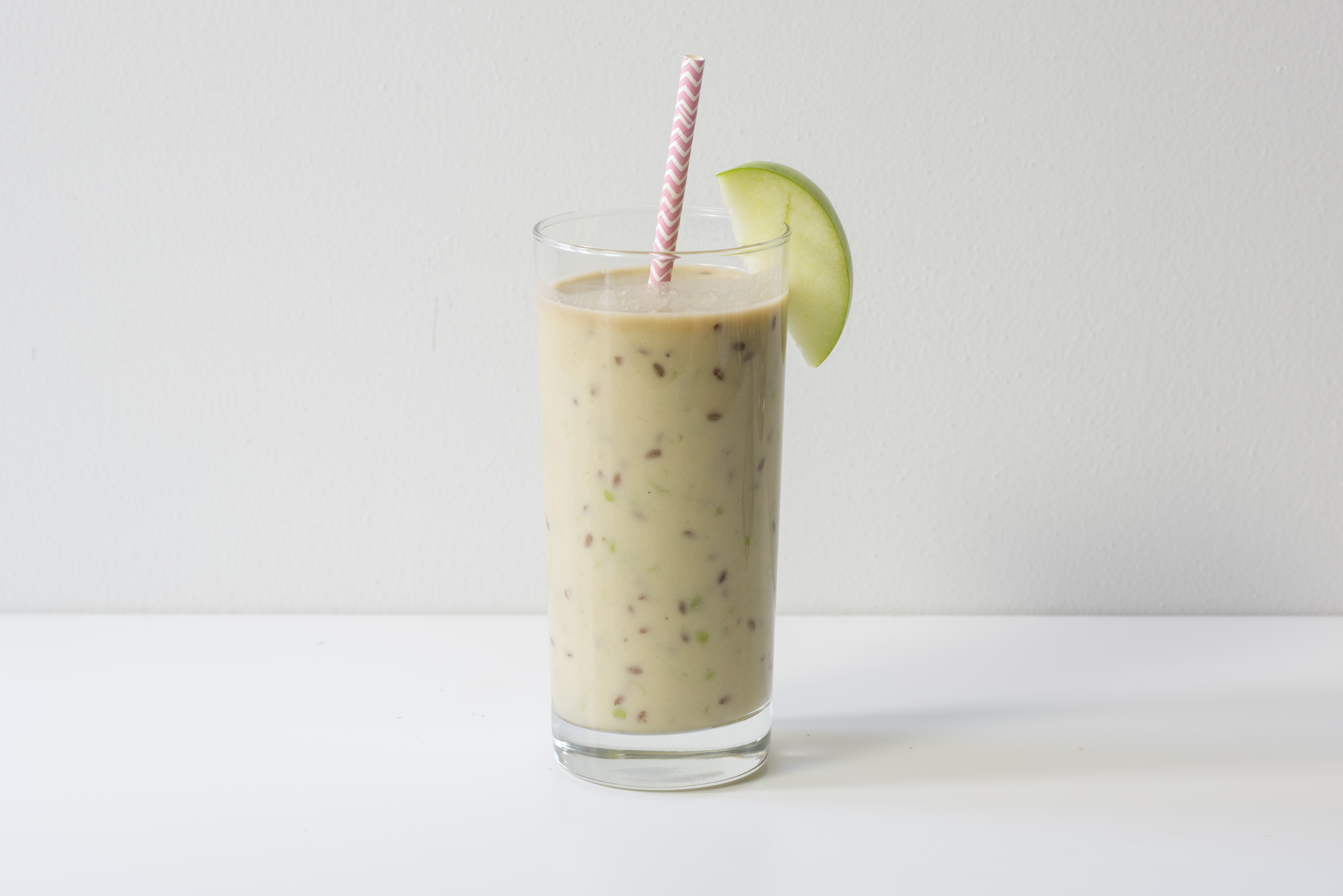 Apple Flaxseed Smoothie